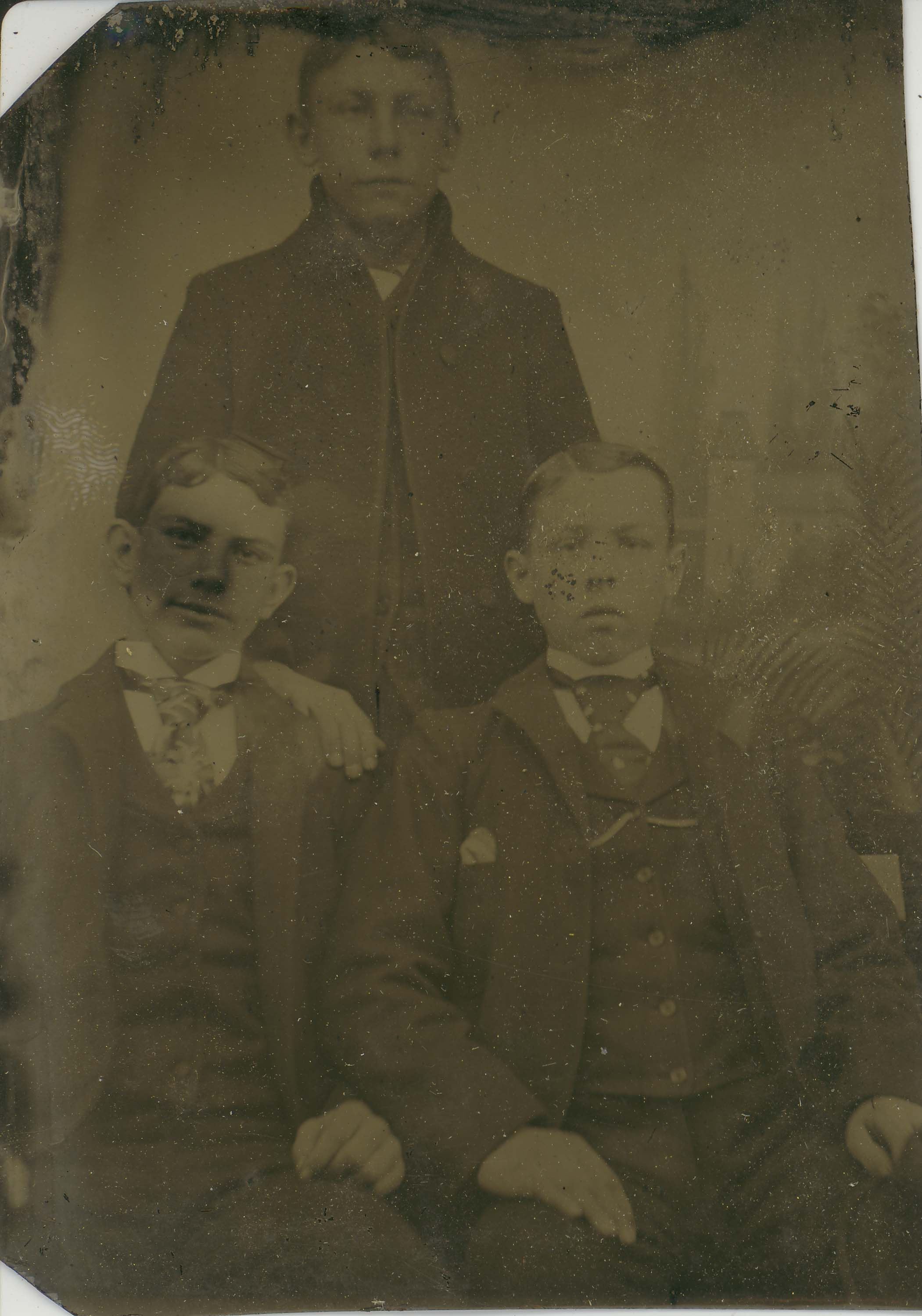 Tin-type-16-three-boys